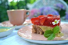 KEISERENS NYE TRÆR: Jubileumsterte med jordbær og vaniljekrem