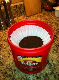 HOW DID THIS NEVER OCCUR TO ME! clever husband thought of this. Refill your empty coffee container with coffee filters containing your premeasured coffee. Stack em up and just grab one each time you make your coffee! Plastic Coffee Cans, Plastic Coffee Containers, Recycling Containers, Plastic Container Crafts, Storage Containers, Folgers Coffee Container, Dyi, Easy Diy, Coffee Can Crafts