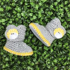 Infant Booties Yellow Sunflower Baby Boots White Leather baby shower gifts -- new baby gift - baby clothing - gifts under $30 - gifts under $50 - pregnacy announcement #Newborngifts, #newborn #baby #babyboy, #babygirl, #genderneutral #genderreveal, #babyclothes, #handmade, #shopsmall, #organicbaby, #cutebabyclothes #babyshoes #babyboots #tweed #handmadebabyclothes #bohobaby #mountainbaby #washingtonbaby #oregonbaby #pnwbaby #eastcoastbaby #westcoastbaby #trendybaby #momblogger #mommyblogger