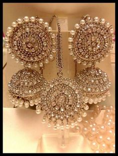 Jewelry OFF! 67 Best Ideas For Wedding Indian Jewellery Gold Gold Jhumka Earrings, Indian Jewelry Earrings, Jewelry Design Earrings, Gold Earrings Designs, Hoop Earrings, Gold Jewelry, Ruby Earrings, Fashion Earrings, Silver Jhumkas
