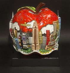 Pop Goes the Big Apple is hand-painted, hand-embellished sculpture of the New York City Skyline took more than two years to complete. Check it out!