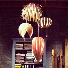 Grosse Gladys lampe en placage de bois par AtelierCocotte sur Etsy