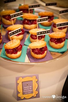 Joeys mini meatball sandwiches note the aqua and lilac color scheme Friends Themed Wedding, Party Friends, Friends Cake, Friends Tv, Graduation Party Themes, 30th Party, 30th Birthday Parties, Birthday Party Themes, Birthday Ideas