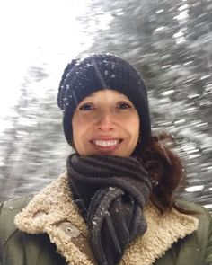 Holy smokes @suz2311 Now there's a lady who knows how to party. Thank you for your extraordinary generosity! 🎉🍰🙏🏼 #grateful Here's your #selfiebobelfie 😊 https://www.crowdrise.com/jennifer-beals-birthday-wish