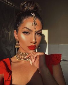 Discovered by إتق الله. Find images and videos about red, inspiration and sun on We Heart It - the app to get lost in what you love. wedding makeup Image about red in WOC / Hijabi by إتق الله on We Heart It Indian Makeup Looks, Bridal Makeup Looks, Bride Makeup, Girls Makeup, Indian Makeup Red, Asian Makeup India, Indian Inspired Makeup, Indian Makeup Natural, Indian Makeup Artist