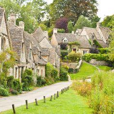 英国で最も美しい村、バイブリー