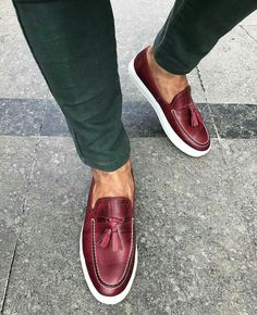 Stylish Mens Fashion, Stylish Mens Outfits, Mens Fashion Shoes, Sneakers Fashion, Casual Leather Shoes, Casual Shoes, Nike Boots Mens, Gents Shoes, Minimalist Sneakers