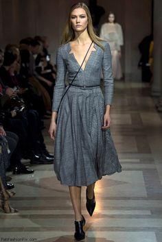 Karlie Kloss for Carolina Herrera fall/winter 2016 collection - New York fashion week. #nyfw