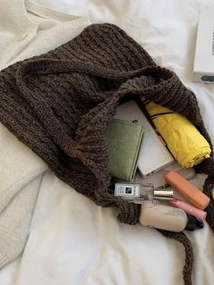 The Best Purses To Wear This Summer Current Fashion Trends, Korean Fashion Trends, Spring Fashion Trends, Summer Fashion Trends, Autumn Fashion, Best Purses, Street Style Trends, Summer Styles, Cool Style
