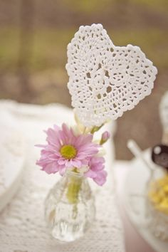 Doily heart..*** oh so pretty!!!*** thanks for share :-)