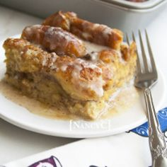 I heard earlier today that Friday, June is National Donut Day. I like donuts but I rarely buy them; But I made this Donut Bread Pudding recipe just a… Pudding Desserts, Köstliche Desserts, Pudding Recipes, Frozen Desserts, Delicious Desserts, Dessert Recipes, Donut Recipes, Baking Recipes, Cinnamon Recipes