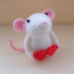 Mouse with felt feet