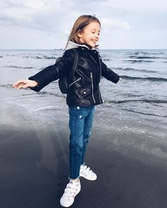 Kids C, Kids Girls, Baby Kids, Children, Cute Little Girls, Cute Kids, Cute Babies, Preteen Fashion, Kids Fashion