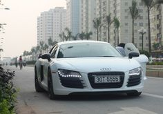 Audi R8 2014. Hipster Magen liked this car BEFORE 50 Shades of Grey.