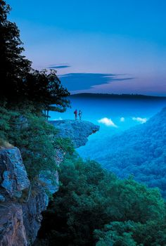 Whitaker Point (Hawksbill Crag) trail in the upper Buffalo River wilderness.