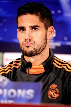Isco Alarcón Cute Football Players, Football Is Life, Soccer Players, Isco Alarcon, Real Madrid Players, Beautiful Men Faces, Athletic Men, Male Face, Athlete