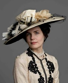 In fact, Lady Grantham has some of the loveliest Edwardian hats to be found in the show.