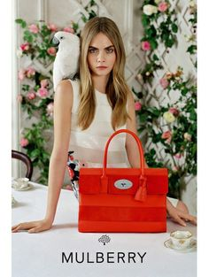 Mulberry s/s 2014 - Zien! Zomercampagnes 2014 #Mulberry #caradelevingne #campaign #fashion #mode #model #photography #ELLE