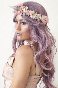 Unicorn costume with unicorn headband and make-up @jackysiren