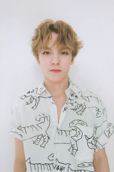 hat time is it now in your country?⏰ — His face expression is always like this but i love it! Woozi, Mingyu Wonwoo, Seungkwan, Vernon Seventeen, Seventeen Debut, Vernon Chwe, Choi Hansol, Vernon Hansol, Won Woo