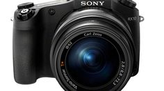 """http://www.clicktechtips.com/2016/04/sony-launch-cyber-shot-rx10-iii-extra-zoom-may-2016/ The zoom range of camera is from 24mm to 600mm. When the zoom lense is in a folded position it looks quite compact but when it is extended to its maximum length at 600mm, it looks massive. The """"zoom assist"""" feature will help you to find your subject in wide frame mode and return back to its full zoom once you release the assist button."""