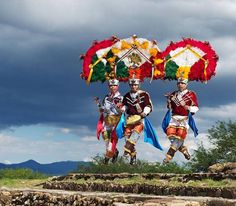 Traje de la Danza de la Pluma - Oaxaca Fotografía por Diego Huerta