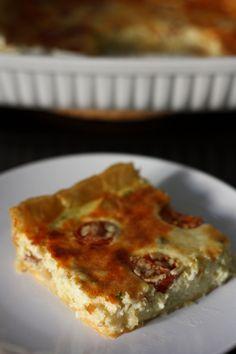 Quiche with chorizo, cherry tomatoes and mashed potatoes http://blogs.cotemaison.fr/cuisine-en-scene/2012/03/13/quiche-au-chorizo-tomates-cerises-et-a-la-puree/