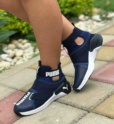 31 Gorgeous Shoes For Women That Are Amazingly Stylish And Fabulously Fashionable - Page 3 of 3 - Style O Check Cute Sneakers, Sneakers Mode, Cute Shoes, Sneakers Fashion, Me Too Shoes, Fashion Shoes, Shoes Sneakers, Fashion Outfits, Women's Shoes