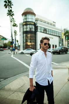 Men who wear white shirts is the most handsome! White Shirt Men, White Shirts, Fashion Hub, Mens Fashion, Fashion Photo, Stylish Men, Men Casual, Outfits Hombre, Men's Outfits