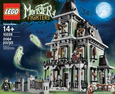 Awesome LEGO haunted house From the LEGO shop FB photo.