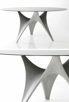 Foster+Partners designed the Arc Table for Italian manufacturer Molteni&C.