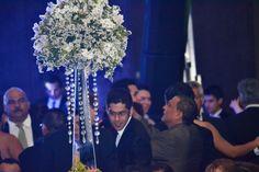 En tu Cena de Gala de graduación vive La magia de una buena producción floral decorativa . contactanos 8116704353 www.authentickredcarpet.com