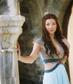 This Margaery Tyrell Cosplayer Is A Dead Ringer For Natalie Dormer Read more at http://fashionablygeek.com/costumes/this-game-of-thrones-margaery-tyrell-cosplay-is-ridiculously-good/#34YtZJAlIi6cuKWB.99