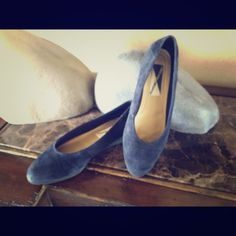 Mootsies Tootsies Navy Flats Navy leather upper flats. Worn very little and in great condition  Mootsies Tootsies Shoes Flats & Loafers