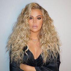 """862.9k Likes, 7,748 Comments - Khloé (@khloekardashian) on Instagram: """"Final glam of 2017! Thank you @ash_kholm and @justinemarjan for glamming me this NYE! We wanted…"""""""