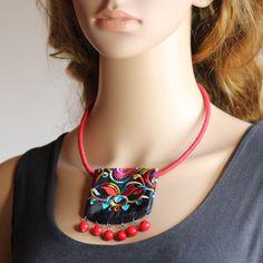 安いオリジナル純粋な手作り中国風ショート ネックレス色とりどり の刺繍レッドコーラルビーズ トルク範囲品質エスニック ジュエリー、購入品質ペンダント ネックレス、直接中国のサプライヤーから:絶妙な赤ターコイズ銅鐘吊り花の刺繍ビーズチベットの銀製の宝石類の高品質なオリジナルエスニックネックレスUs$6.84/piece絶妙な5滴吊り花の刺繍のターコイズビーズチベットの銀製の宝石類の高品質なオリ