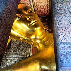 Buda Reclinado #bangkok #thailand #therecliningbuddha by nataliabayeh
