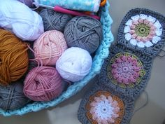 betsy makes muted cushion collection Crochet Home, Love Crochet, Learn To Crochet, Crochet Motif, Knit Crochet, Crochet Patterns, Crochet Granny, Crochet Blocks, Crochet Squares