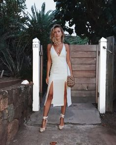 Some chic summer vibes Little White Dresses, Look Chic, Mode Inspiration, Fashion Killa, Fashion Outfits, Womens Fashion, Spring Summer Fashion, Casual Looks, Dress To Impress