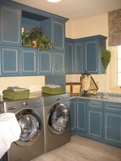 what I would give for this laundry room .... would add splashes of orange to brighten it up a bit ocean blue, butter cream yellow and sage green