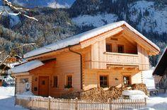 Nach einem Skitag gibt es doch nicht schöneres als eine gemütliche Holzhütte mit Holz-Herd, Kaminofen und Sauna. Style At Home, Cabin, Herd, Sauna, House Styles, Home Decor, Fireplace Heater, Time Out, Log Home