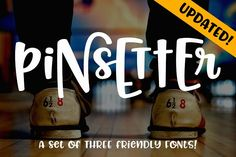 By Missy Meyer Fonts Say hello to Pinsetter, a set of fun hand-lettered fonts that mix and match and snuggle together like one big alphabet family. Handwritten Fonts, Typography Fonts, All Fonts, Serif Font, Font Design, Graphic Design, Design Art, Friends Font, Slab Serif