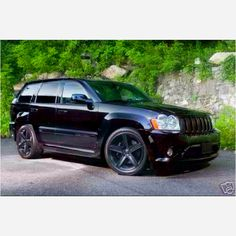 Trapped Under the Hood: Confessions of a Car Nut: The 2010 Jeep Grand Cherokee Suv Cars, Jeep Cars, Jeep Truck, Jeep Srt8, Auto Jeep, Jeep Grand Cherokee Srt, My Dream Car, Dream Cars, Jeep Wk