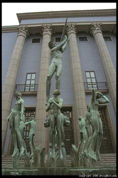 Swedish Art Deco sculptor, Carl Milles. Orfeus. 1936 Modern Sculpture, Sculpture Art, Garden Sculpture, Art Deco, Art Nouveau, Nordic Classicism, Stockholm Archipelago, World Pictures, Stockholm Sweden