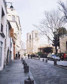 """joyceinparis: """"A lovely afternoon stroll by the Notre Dame #street #notredame #paris (à Rue Saint-Julien-le-Pauvre) """""""