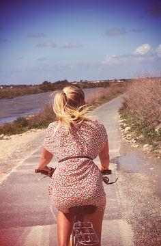 liberty Macarons, Lyon, Liberty, Summertime, Italia, Short Sleeve Dresses, Dress Beach, Confetti, Seashells