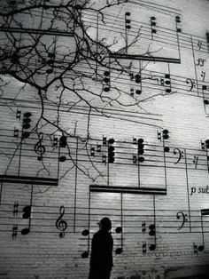 Street art in Berlin! Melody! Let d music play on