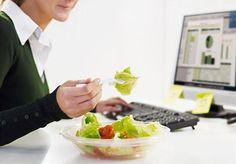 Hubnutí pomocí krabiček, v nichž máte jídlo na celý den s přesnou hodnotou kalorií, si získalo řadu fanoušků. Ale pravdou je, že než platit tisíce korun anonymní firmě, je lepší domluvit se třeba s kolegyněmi v práci a můžete si chystat obědy na střídačku samy.