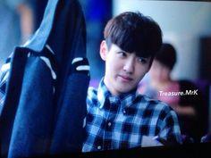 Kris in airport