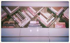 Mueble (triple X)detLle de biblioteca by HAUS DESiGN